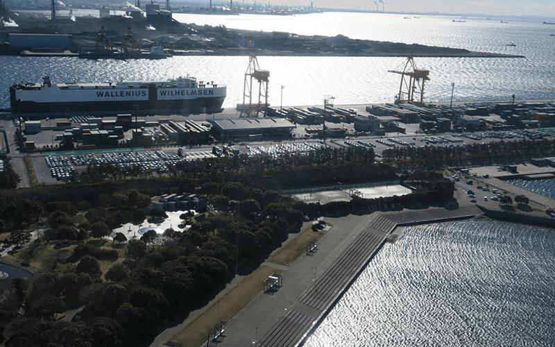 千葉ポートタワーから見える貨物