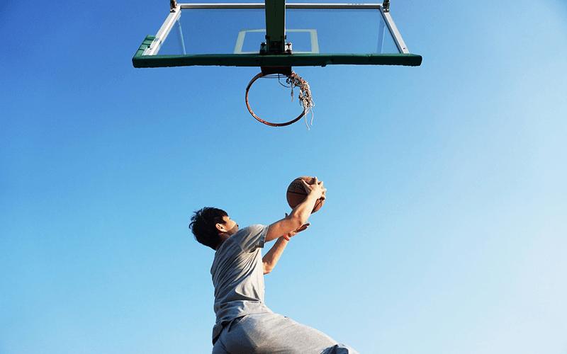 バスケをする人の画像