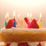 誕生日ケーキの画像