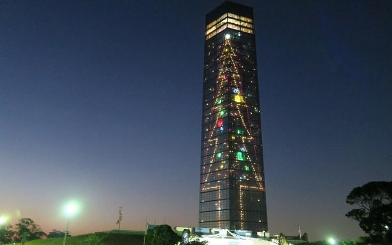 千葉ポートタワーのクリスマスイルミネーションの画像