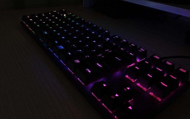光るHyperX Alloy Origins Core RGB